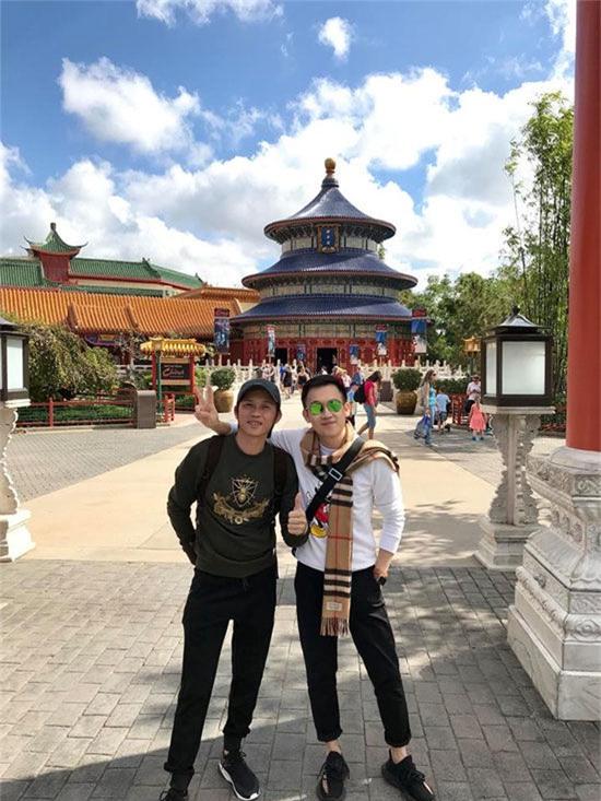 Ở Mỹ cũnghơn 20 năm, lần đầu tiên Hoài Linh và Dương Triệu Vũ đi chơi cùng nhau. - Tin sao Viet - Tin tuc sao Viet - Scandal sao Viet - Tin tuc cua Sao - Tin cua Sao