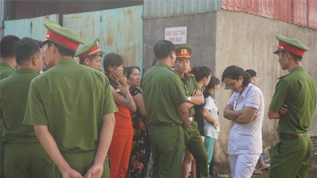 Mẹ tử tù Nguyễn Hải Dương khóc ngất khi nhìn thi thể con lần cuối - Ảnh 3.