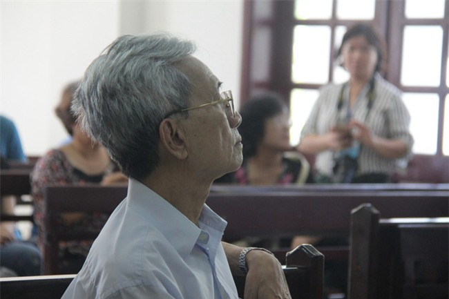 Có tới 9 bé gái nghi bị Nguyễn Khắc Thủy dâm ô tại chung cư ở Vũng Tàu? - Ảnh 2.