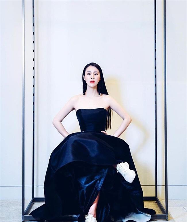 Cuộc sống xa hoa hưởng thụ của tiểu thư thuộc thế hệ siêu giàu thứ hai Trung Quốc - Ảnh 18.