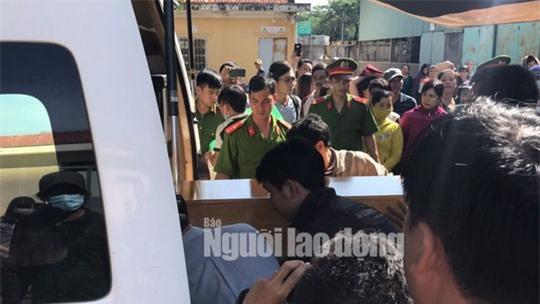 Nao lòng cảnh người nhà nhận thi thể tử tù Nguyễn Hải Dương-1
