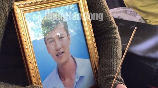 Nao lòng cảnh người nhà nhận thi thể tử tù Nguyễn Hải Dương-2