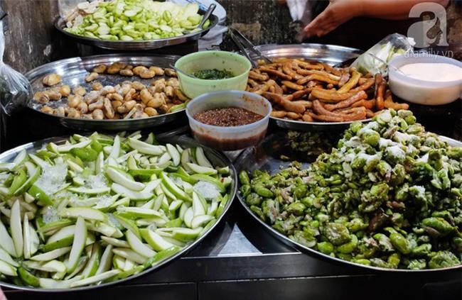 Những món ăn đường phố chỉ nhìn thôi đã ứa nước miếng thèm thuồng của Campuchia - Ảnh 12.