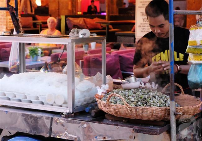 Những món ăn đường phố chỉ nhìn thôi đã ứa nước miếng thèm thuồng của Campuchia - Ảnh 15.