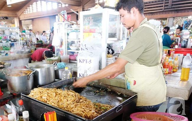 Những món ăn đường phố chỉ nhìn thôi đã ứa nước miếng thèm thuồng của Campuchia - Ảnh 3.