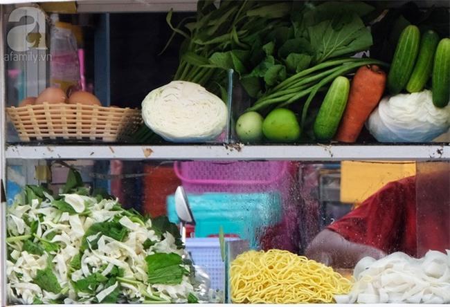 Những món ăn đường phố chỉ nhìn thôi đã ứa nước miếng thèm thuồng của Campuchia - Ảnh 4.