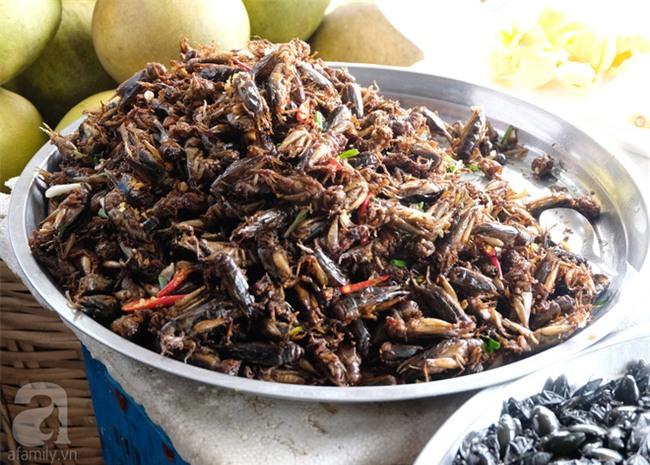 Những món ăn đường phố chỉ nhìn thôi đã ứa nước miếng thèm thuồng của Campuchia - Ảnh 9.