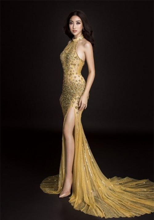Đầm dạ hội ánh hoàng kim sẽ giúp Đỗ Mỹ Linh toả sáng như Nữ hoàng-4