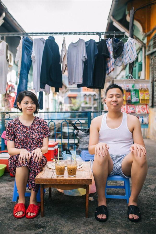 Chẳng ai như cặp đôi này, đi ăn sáng tiện thể chụp ảnh cưới vậy mà vẫn hút cả nghìn like - Ảnh 3.