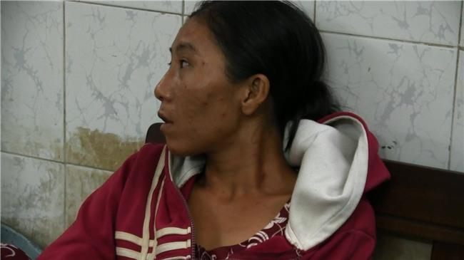 Vụ lạm dụng trẻ em để xin tiền tiêm chích ma túy gây phẫn nộ: Người mẹ đưa đi cai nghiện bắt buộc - Ảnh 1.