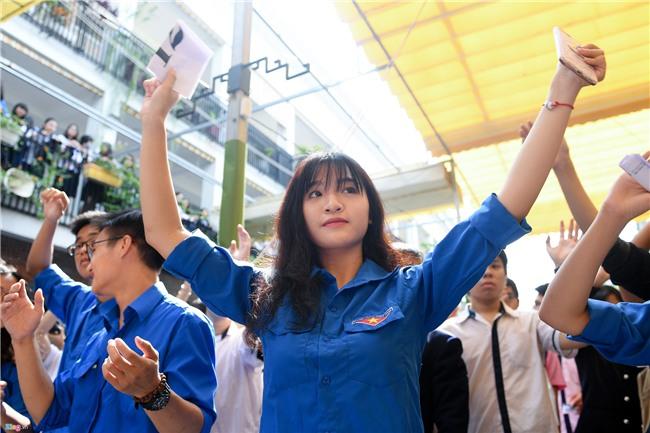 28.000 hac giay tuong nho thay Van Nhu Cuong hinh anh 2