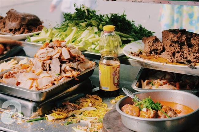 Khám phá chiếc bánh mì giá 2,3 triệu đồng ở Sài Gòn, chỉ hội con nhà giàu mới có thể ăn không nghĩ ngợi - Ảnh 1.
