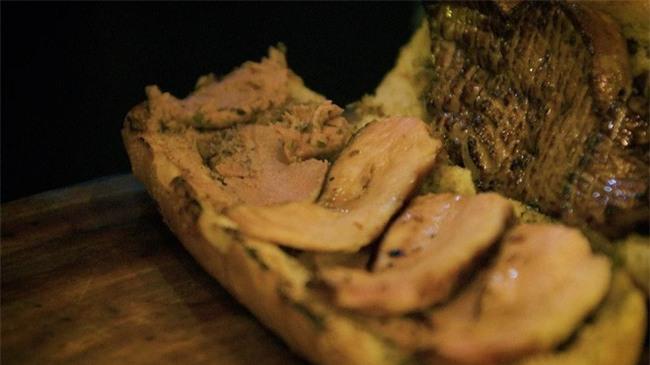 Khám phá chiếc bánh mì giá 2,3 triệu đồng ở Sài Gòn, chỉ hội con nhà giàu mới có thể ăn không nghĩ ngợi - Ảnh 8.