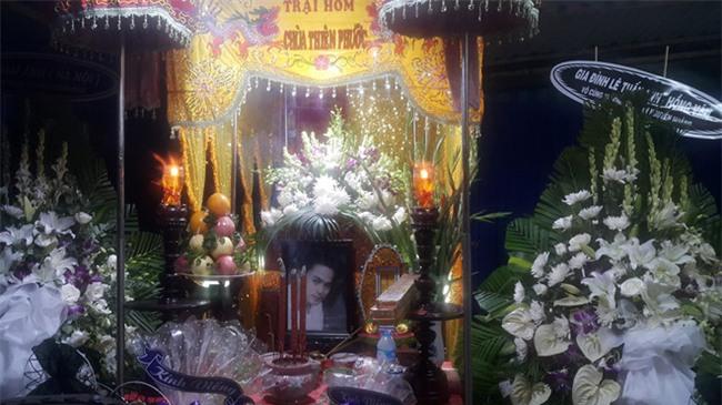 Phut cuoi tien biet dien vien Nguyen Hoang trong ngay mua bao hinh anh 3