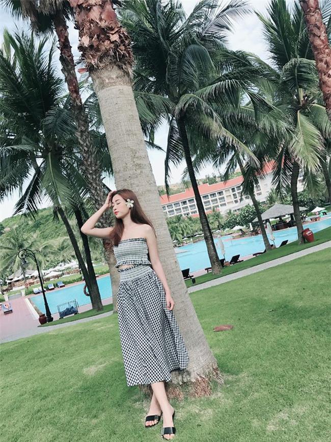 Đỗ Mỹ Linh - Nàng Hoa hậu Nhân Ái luôn ghi điểm trong mắt mọi người với phong cách thời trang giản dị - Ảnh 21.