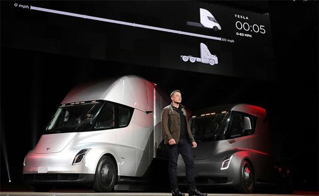 Sep Toyota che xe dien cua Tesla hinh anh 1