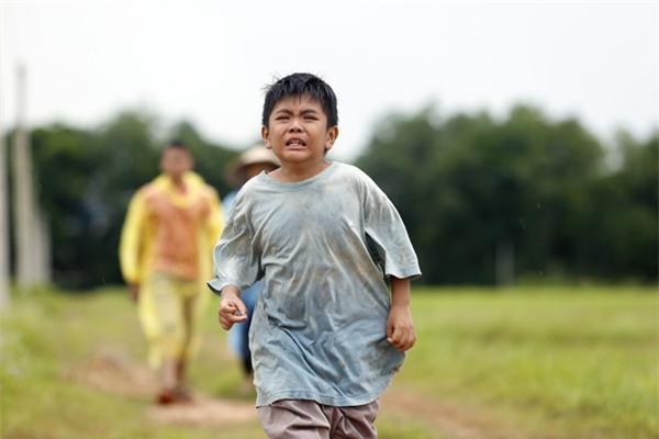 Ông bố nông dân Lương Mạnh Hải la hét hoảng loạn khi bị cua kẹp-1