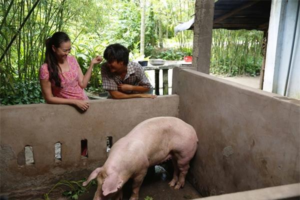 Ông bố nông dân Lương Mạnh Hải la hét hoảng loạn khi bị cua kẹp-9