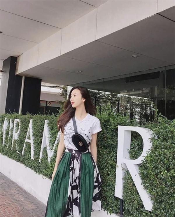 Phong cách gợi cảm của thí sinh lật kèo Phạm Hương để về với đội Kỳ Duyên-2