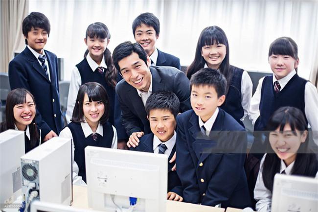 15 quy định hà khắc trong trường học Nhật Bản sẽ khiến con phải biết ơn vì độ mềm mỏng của bố mẹ ở nhà - Ảnh 14.