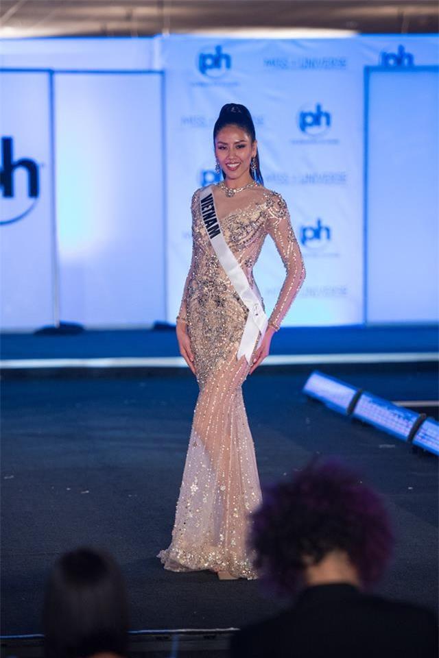 Nguyễn Thị Loan tự tin tỏa sáng trong đêm bán kết Hoa hậu Hoàn vũ 2017 vẫn trượt top 15 bình chọn của Missosology - Ảnh 10.