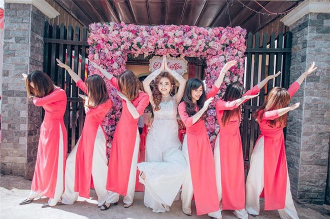 Những lễ đính hôn phá cách của các cặp thánh lầy khuấy đảo mùa cưới 2017 - Ảnh 18.