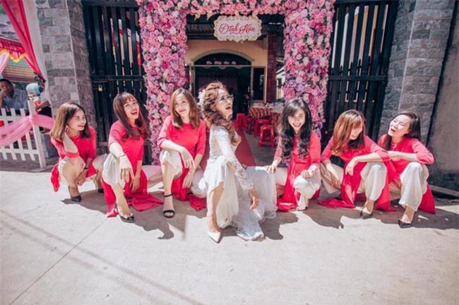 Những lễ đính hôn phá cách của các cặp thánh lầy khuấy đảo mùa cưới 2017 - Ảnh 19.