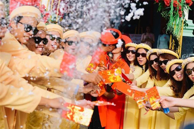 Những lễ đính hôn phá cách của các cặp thánh lầy khuấy đảo mùa cưới 2017 - Ảnh 4.