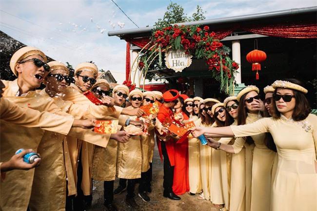 Những lễ đính hôn phá cách của các cặp thánh lầy khuấy đảo mùa cưới 2017 - Ảnh 8.