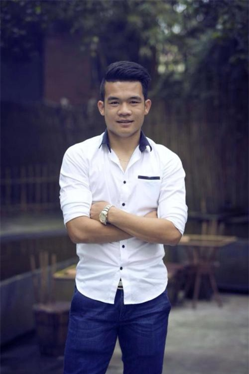 Công Phượng, Mạc Hồng Quân và những cầu thủ Việt kiếm thêm bằng nghề tay trái - Ảnh 4.