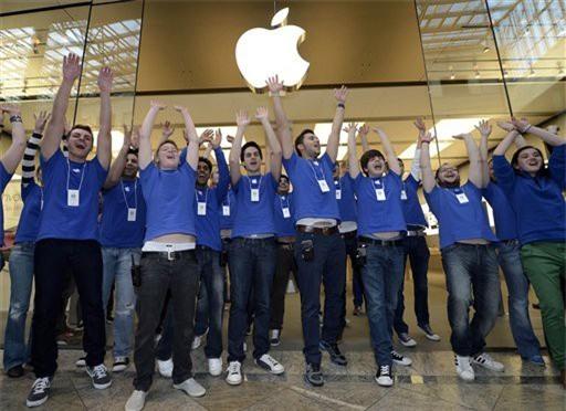 Facebook chăm sóc nhân viên như thượng đế, còn Apple thì sao? - Ảnh 1.