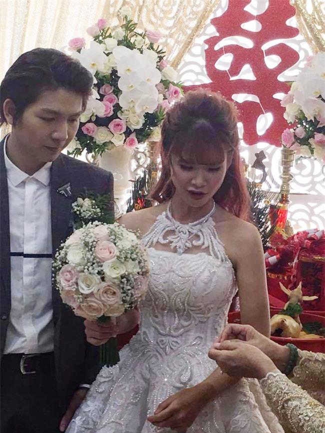 """Đến cả rước dâu, Khởi My và Kelvin Khánh cũng phải cực độc và """"lầy lội"""" - Ảnh 7."""