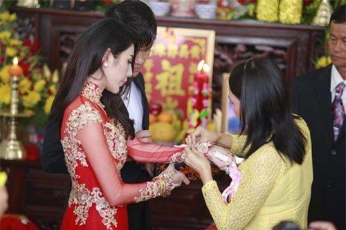 Lóa mắt nhìn sao Việt đeo vàng nặng trĩu người trong ngày cưới - Tin sao Viet - Tin tuc sao Viet - Scandal sao Viet - Tin tuc cua Sao - Tin cua Sao