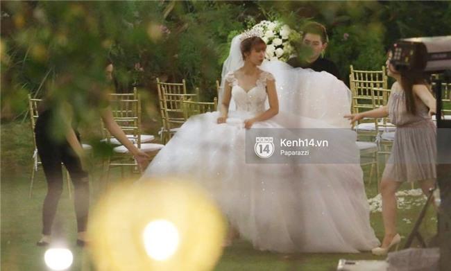Chiếc váy lộng lẫy này đã biến Khởi My thành công chúa trong đám cưới cổ tích của chính mình - Ảnh 4.