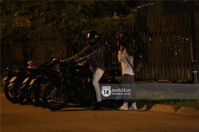 Clip: Kết thúc đám cưới, vợ chồng Khởi My - Kelvin Khánh cưỡi mô tô về nhà, ôm lấy nhau không rời - Ảnh 5.
