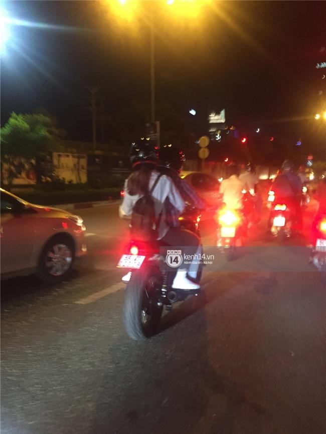 Clip: Kết thúc đám cưới, vợ chồng Khởi My - Kelvin Khánh cưỡi mô tô về nhà, ôm lấy nhau không rời - Ảnh 7.