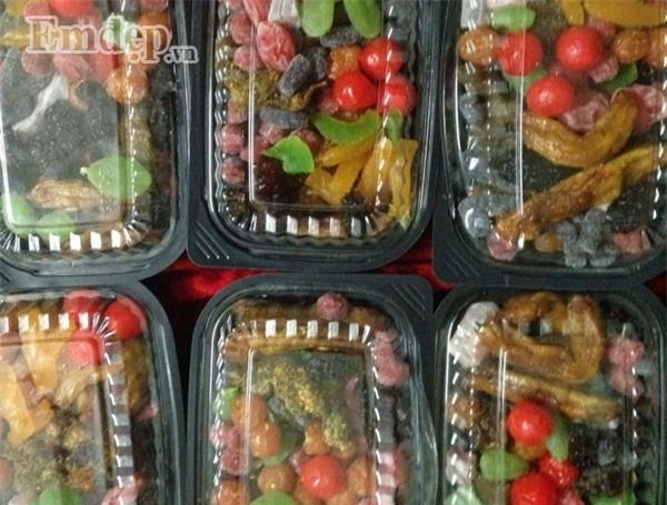 Tiểu thương tiết lộ giá nhập các loại kẹo, hạt dinh dưỡng, mứt trái cây dịp trước Tết gây sốc