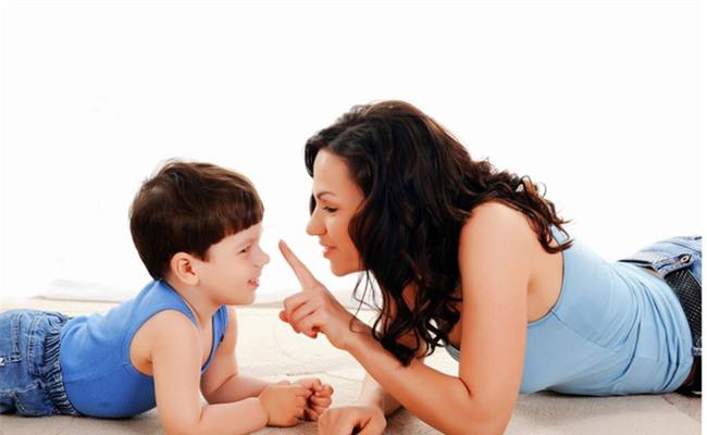 5 chiêu lạ đời có tác dụng làm dịu cơn tức giận, khóc lóc của trẻ chỉ trong vài giây - Ảnh 4.