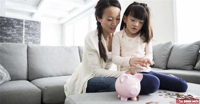 Dạy con tiêu tiền cần kết hợp với các trò chơi để con cảm thấy hứng thú