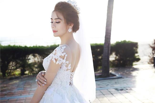 Ảnh cưới lãng mạn của mỹ nhân chuyển giới Lâm Khánh Chi và bạn trai kém 8 tuổi - Ảnh 4.