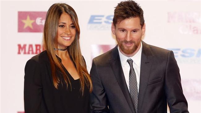 Con trai Messi phùng má siêu dễ thương, cùng cha nhận giải Chiếc giày vàng - Ảnh 5.