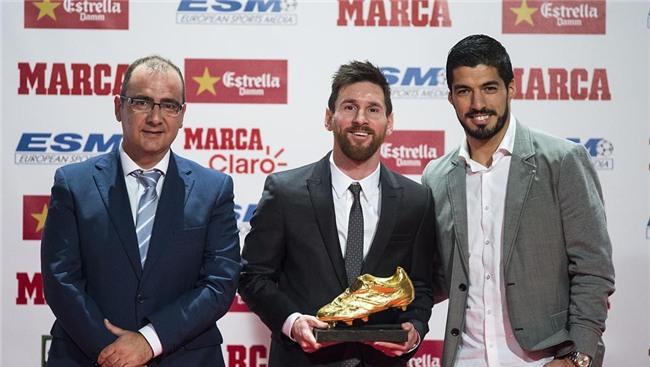 Con trai Messi phùng má siêu dễ thương, cùng cha nhận giải Chiếc giày vàng - Ảnh 7.