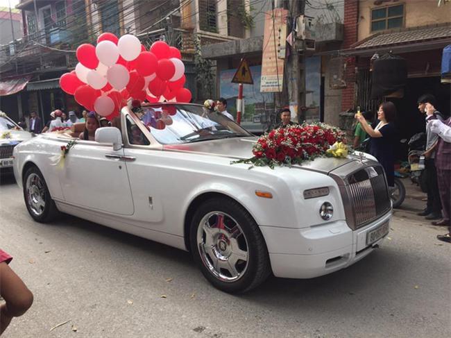 Siêu đám cưới tại Bắc Ninh: Kéo dài 15 ngày, 2 xe Rolls-Royce rước dâu, pháo hoa bắn rợp trời - Ảnh 4.