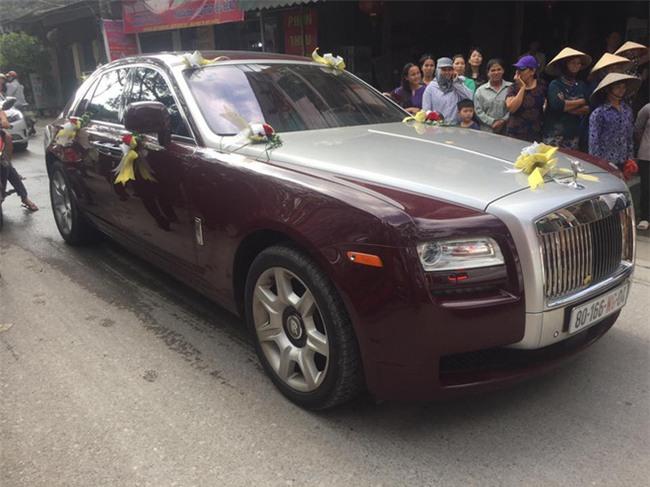 Siêu đám cưới tại Bắc Ninh: Kéo dài 15 ngày, 2 xe Rolls-Royce rước dâu, pháo hoa bắn rợp trời - Ảnh 5.
