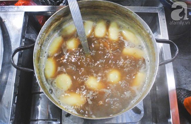 8 món ăn vặt nóng hôi hổi giúp bạn chống chọi với đợt rét đậm đầu tiên của mùa đông - Ảnh 10.