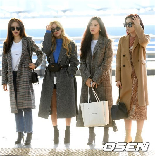 Áo khoác dáng dài năm nào cũng hot, nhưng để mặc đẹp và thật hợp mốt thì phải học tập các idol Hàn này - Ảnh 1.