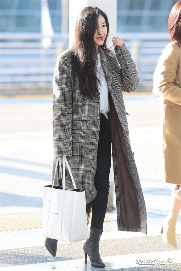 Áo khoác dáng dài năm nào cũng hot, nhưng để mặc đẹp và thật hợp mốt thì phải học tập các idol Hàn này - Ảnh 3.