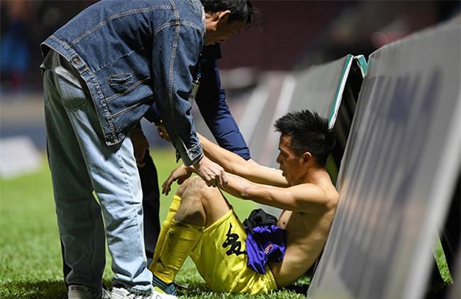 V-League,CLB Hà Nội,Quảng Nam,Văn Quyết