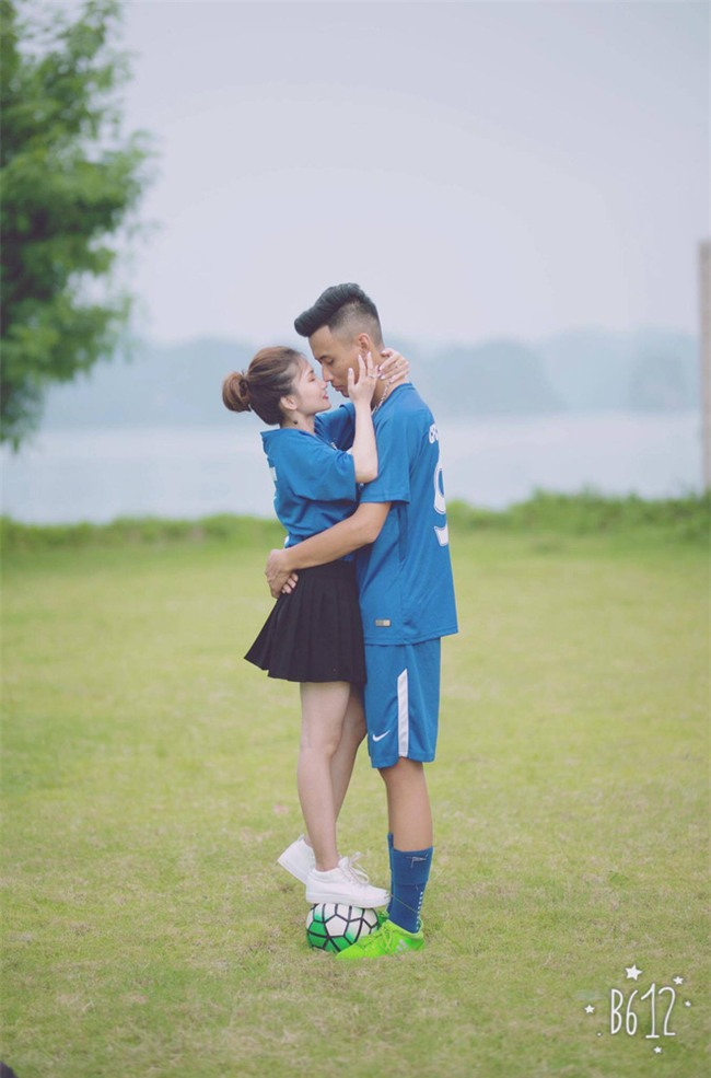 Thiệp cưới của cặp đôi cuồng Chelsea gây tò mò vì như vé xem bóng đá  - Ảnh 6.