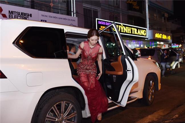 MC Quỳnh Chi thẳng thắn đáp trả khi bị nói: Ly dị nhưng suốt ngày làm đẹp, váy áo-2